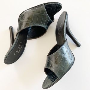 NWT Gucci Croc Leather Heeled Slides in Black